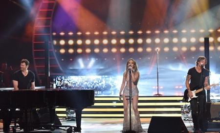 Xem Jennifer Lopez cover bản hit của Rihanna