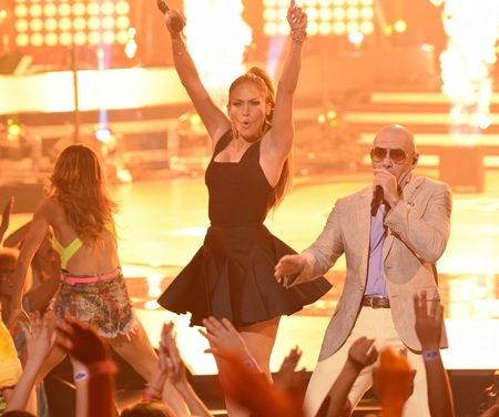 Jennifer tiếp tục có một mùa làm giám khảo American Idol rất thành công.