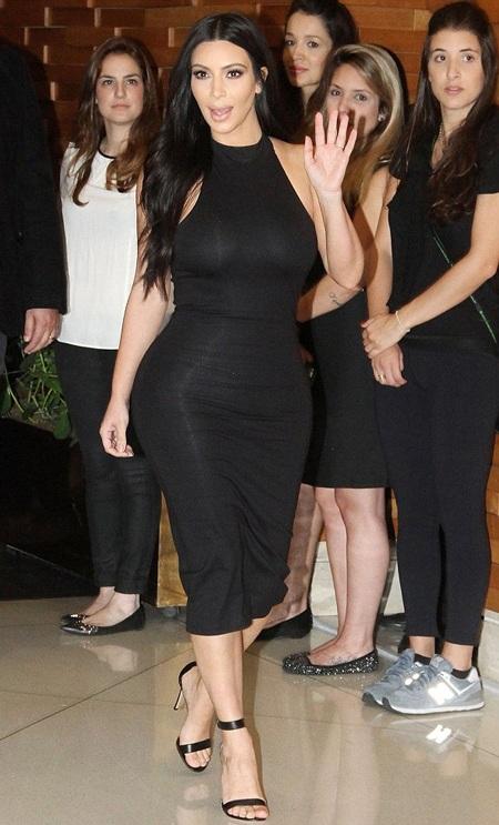 Kim Kardashian khoe thân hình đồng hồ cát sau khi giảm 9kg