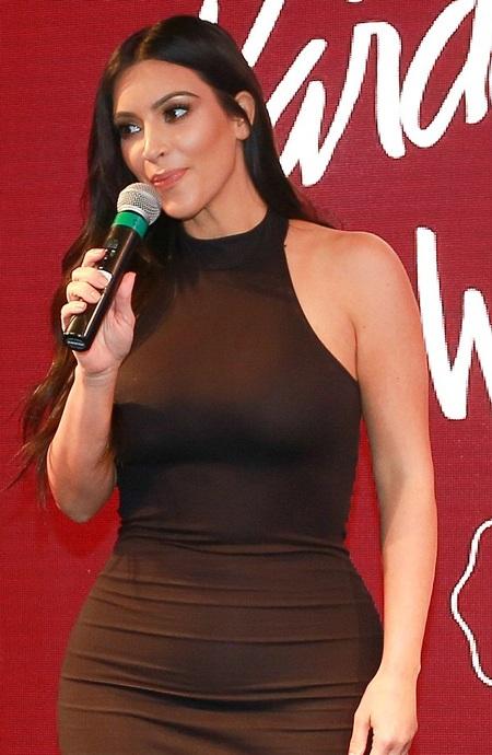 Kim đang chia sẻ những bí quyết chăm sóc cơ thể và mặc đẹp với fan.