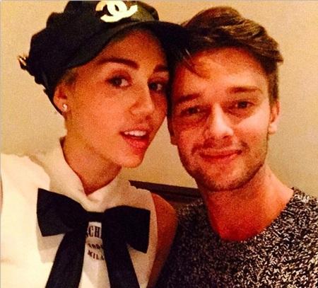 Nữ ca sĩ 22 tuổi mới chia tay bạn trai cách đây không lâu sau 5 tháng hò hẹn.