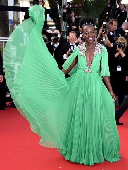 Người đẹp nhất thế giới mặc sến tại LHP Cannes