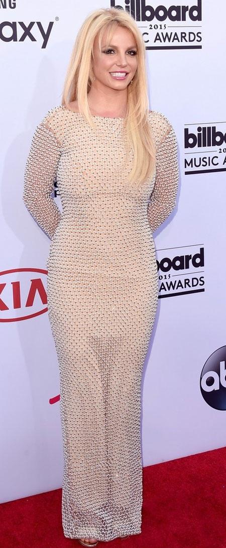 Công chúa nhạc Pop trông rất dịu dàng....