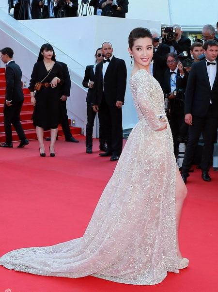 Jeon Ji Hyun thanh lịch, Lý Băng Băng kiêu sa ở Cannes