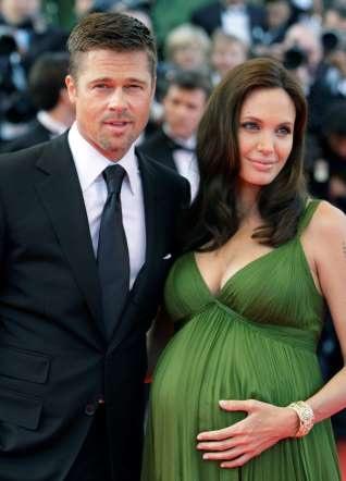 Con đường sự nghiệp và đời tư đầy thăng trầm của Angelina Jolie