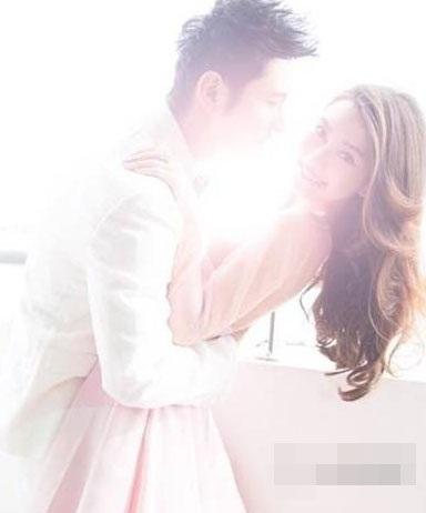 Lộ ảnh cưới ngọt ngào của Huỳnh Hiểu Minh và Angelababy