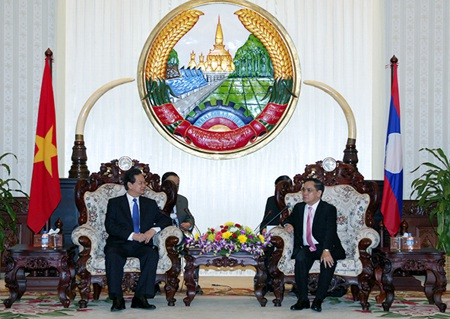 Thủ tướng Nguyễn Tấn Dũng hội kiến Thủ tướng Lào.