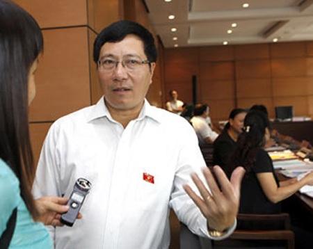 Phó Thủ tướng Phạm Bình Minh: Việt Nam có quyền mua vũ khí từ bất cứ nước nào (ảnh: XL).