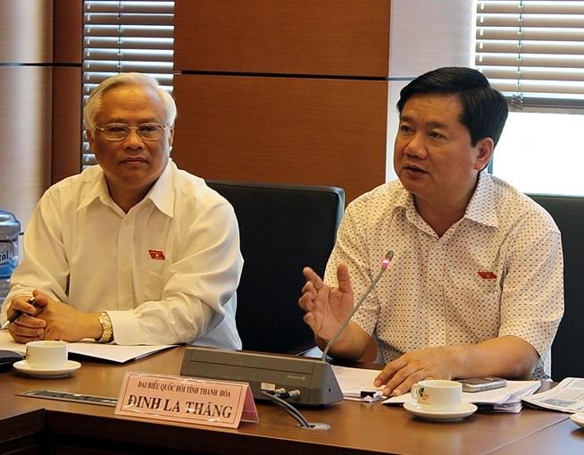 Bộ trưởng Đinh La Thăng phát biểu tại phiên thảo luận tổ sáng 22/5.