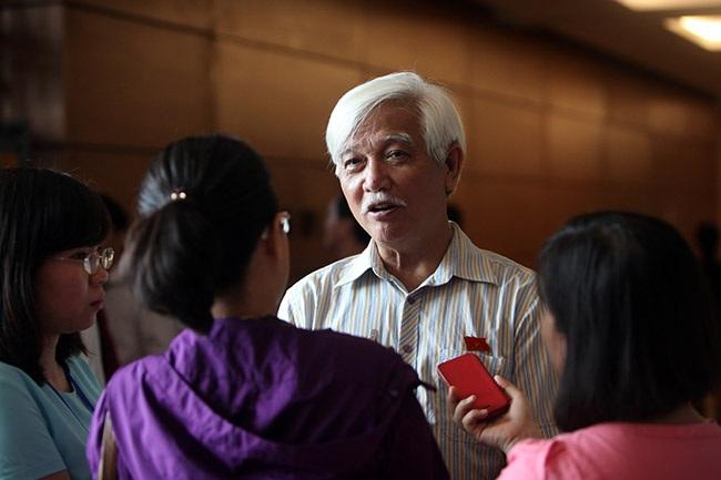 Đại biểu Quốc hội Dương Trung Quốc: Bộ trưởng giàu - có gì là xấu? (ảnh: Việt Hưng).