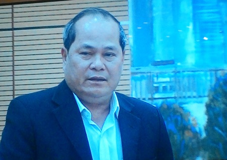 Đại biểu Ngô Văn Minh tại phiên chất vấn.