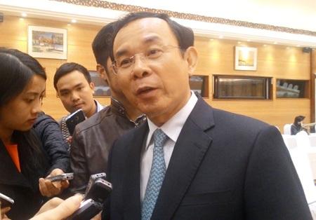 Bộ trưởng Nguyễn Văn Nên bên lề cuộc họp báo chiều ngày 2/3/2015.