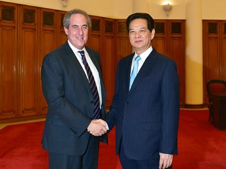 Thủ tướng tiếp Đại sứ Michael Froman - Đại diện thương mại Mỹ đang thăm, làm việc tại Việt Nam.