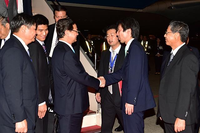 Thủ tướng đến Tokyo, chính thức bắt đầu chương trình làm việc tại Nhật
