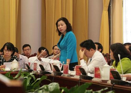 Thứ trưởng Bộ Tài chính Vũ Thị Mai giải thích những điểm mới của luật Ngân sách nhà nước.