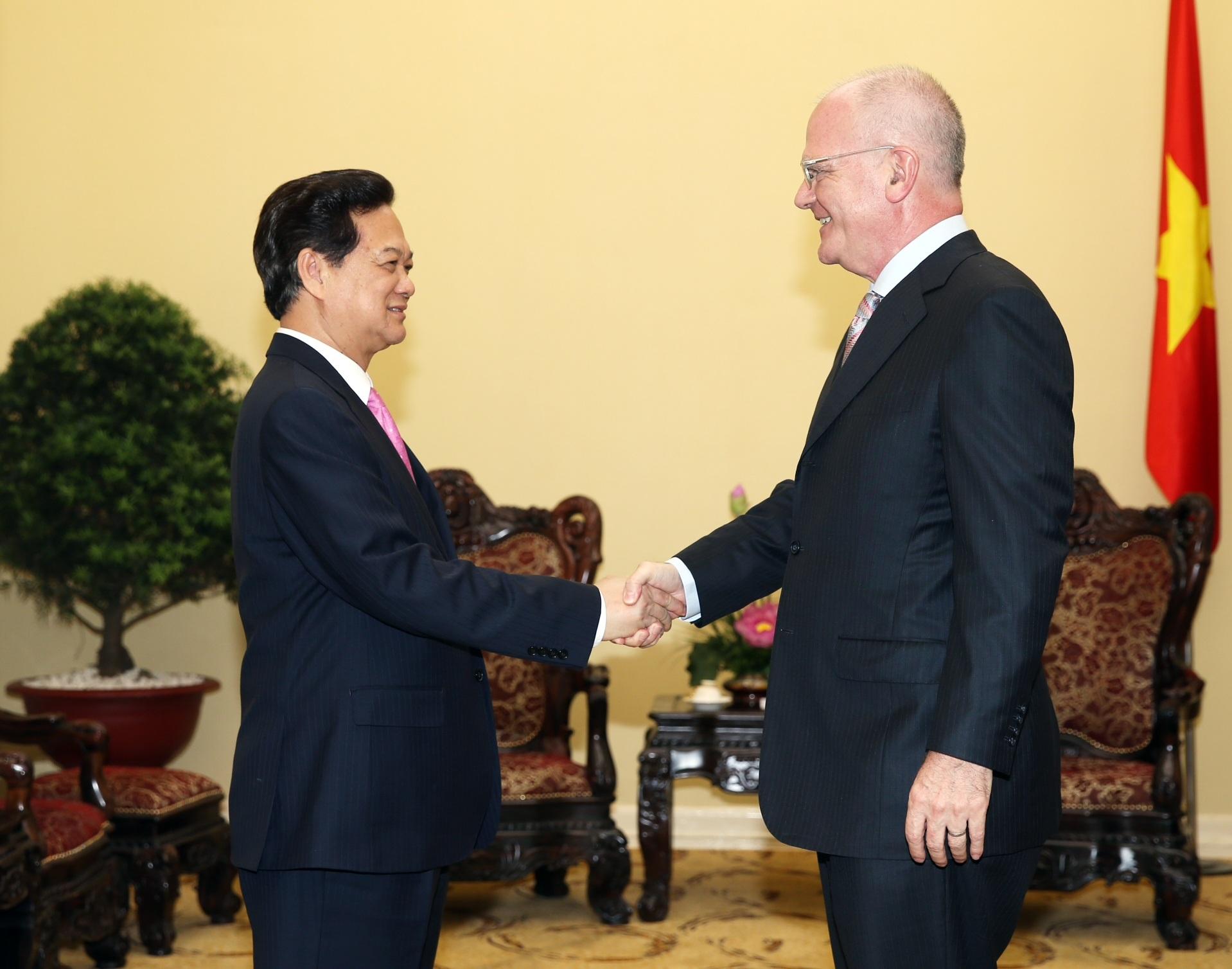 Thủ tướng Nguyễn Tấn Dũng tiếp ông Franz Jessen, Đại sứ, Trưởng phái đoàn EU tại Việt Nam.