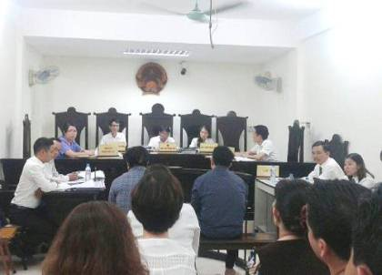Phiên tòa xét xử 2 bị cáo Hải và An.