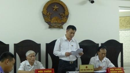 TAND TP Hà Nội tuyên phạt bị cáo Trịnh Ngọc Chung 30 tháng tù treo gây bức xúc dư luận.