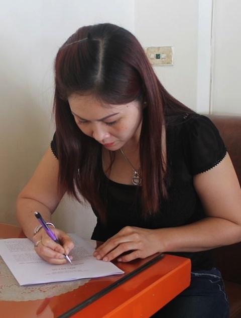 Bà Lê Thị Thanh Xuân gửi đơn tố cáo đến báo Dân trí và các cơ quan chức năng.
