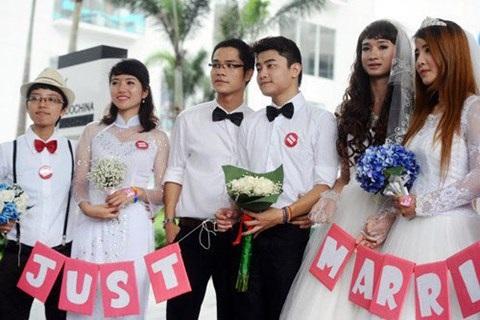 Vợ chồng đồng tính có được nhận con nuôi?