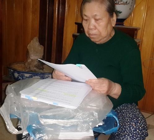 Bà Nguyễn Thị Dăm khiếu nại Chi cục Thi hành án quận Ba Đình.