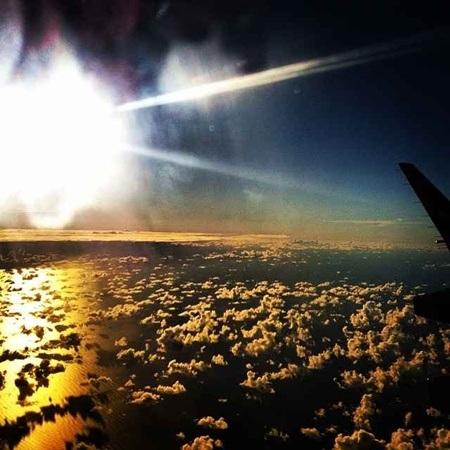 Hình ảnh ngồi trong khoang lái của một phi công