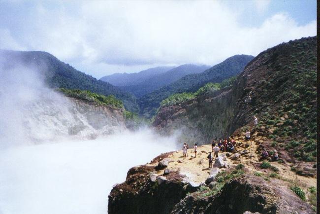 Hồ Boiling, Dominica là suối nước nóng tự nhiên lớn thế hai trên thế giới.