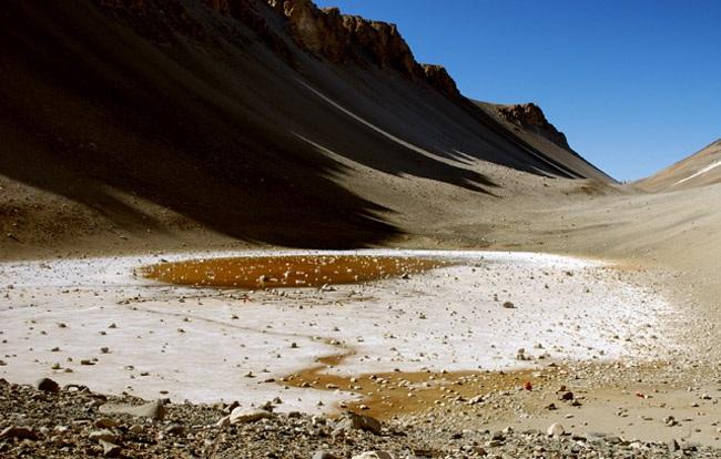 Hồ Don Juan Pond được phát hiện năm 1961 ở Nam Cực là hồ mặn nhất thế giới.
