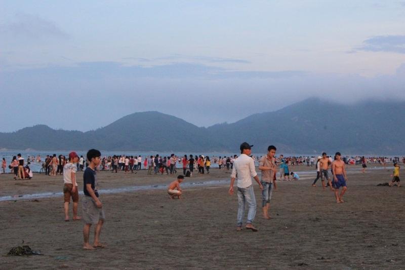 Các bãi biển trên địa bàn tỉnh Hà Tĩnh trở thành các điểm hút khách du lịch