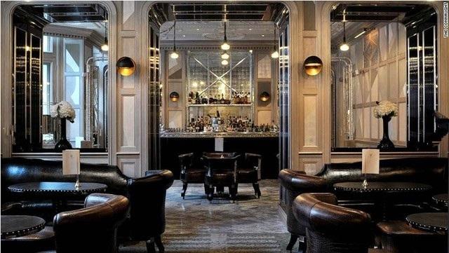 Quán bar Connaught ở The Connaught (London) được thiết kế theo lối kiến trúc cổ