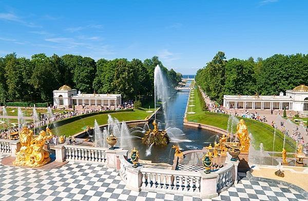 Cung điện mùa hè nổi tiếng của Nga.