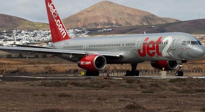 Hãng hàng không Jet2 cấm vĩnh viễn Tom Washington trên các chuyến bay của hãng này.