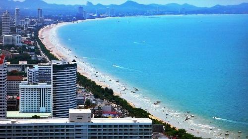 Pattaya sở hữu nhiều bãi tắm đẹp và nhiều hòn đảo xung quanh.