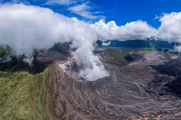 Ngọn núi lửa Bromo ở Indonesia.
