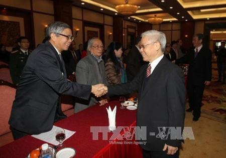 Tổng Bí thư Nguyễn Phú Trọng gặp mặtcác trí thức, nhà khoa học, văn nghệ sỹ
