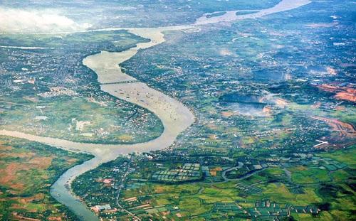 Sau 6 tháng thực hiện dự án, hiện diện tích sông được lấp gần đạt 90% theo thiết kế.