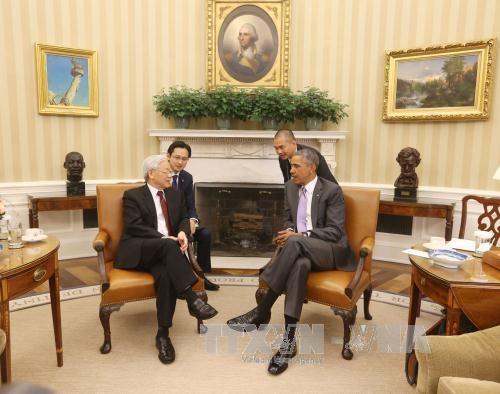 Tổng Bí thư Nguyễn Phú Trọng và Tổng thống B.Obama trong cuộc gặp tại Nhà Trắng (Ảnh: TTXVN)