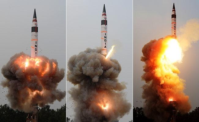 Tên lửa Agni-5 được bắn lên từ bãi thử Integrated Test Range (Ảnh: