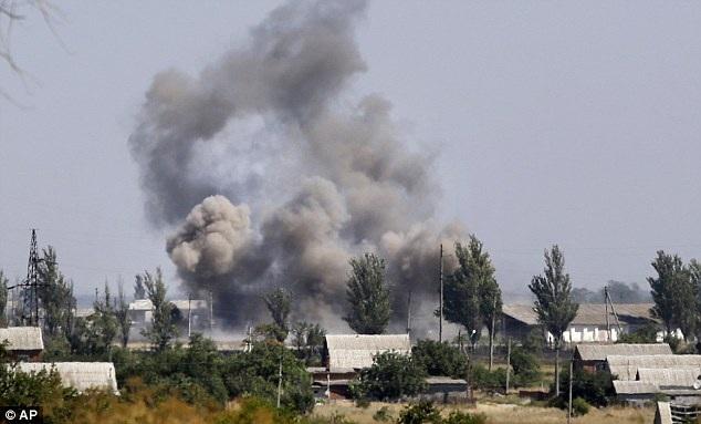 Lệnh ngừng bắn liên tục bị vi phạm ở miền Đông Ukraine trong những ngày gần đây (Ảnh: