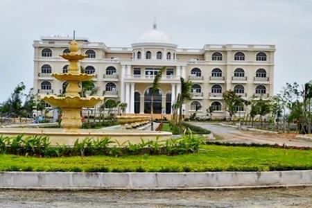 Trường Đại học Mỹ - Thái Bình Dương.