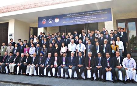 Hội thảo khoa học quốc tế về Biển Đông lần thứ 6 vừa chính thức khai mạc tại Đà Nẵng