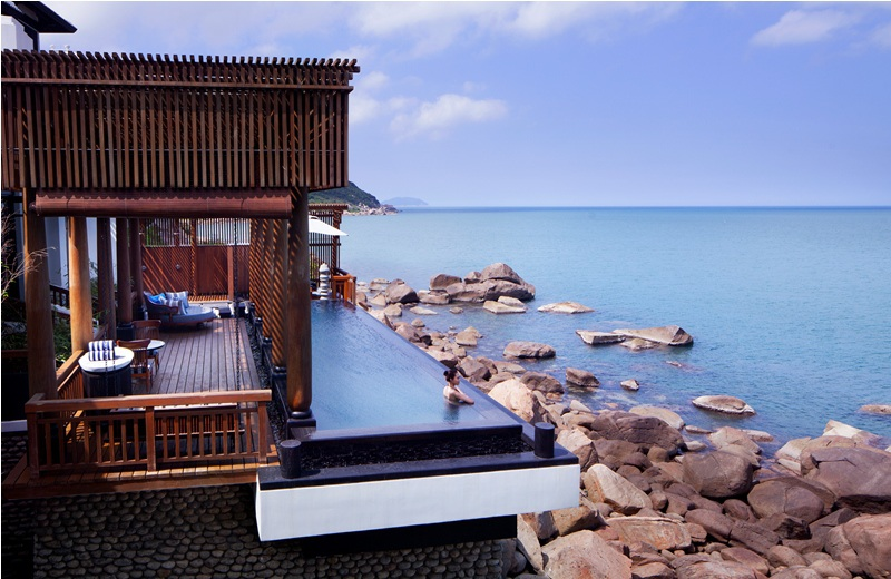 Tận hưởng sự riêng tư và khung cảnh biển Đông - hồ bơi tại các villa cao cấp