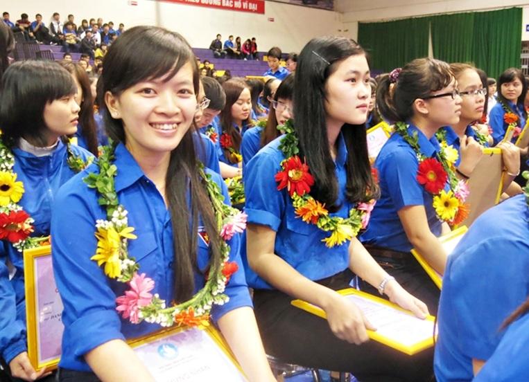 Có hơn 1.000 sinh viên đại diện SV các trường ĐH, CĐ trên địa bàn thành phố tham gia sự kiện.