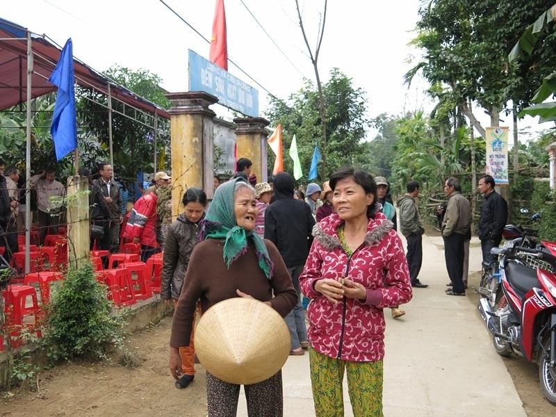 Người dân hào hứng đăng ký tham gia cuộc thi