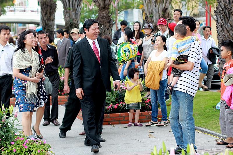 Ông Thanh thăm đường hoa xuân Đà Nẵng trong dịp Tết Quý Tỵ 2013