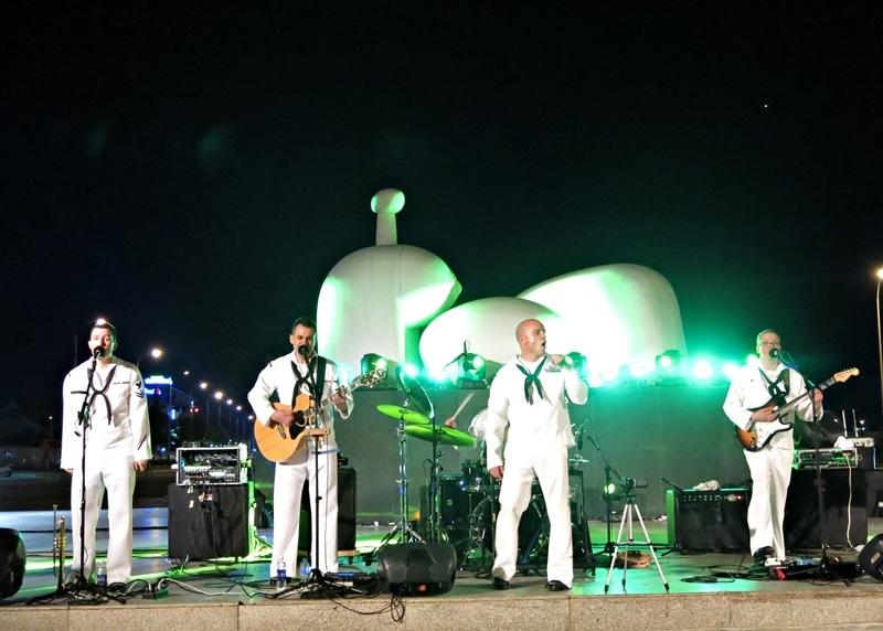 Ban nhạc Hạm đội 7 - Hải quân Hoa Kỳ đã có những màn trình diễn sôi động ở Đà Nẵng