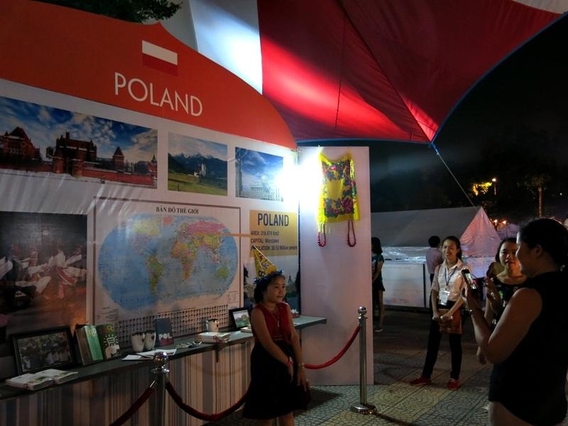 Không gia văn hóa Ba Lan