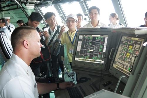 Buồng chỉ huy trên tàu