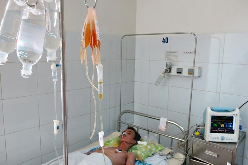 Tấm lòng hảo tâm của bạn đọc đã tiếp sức giúp gia đình lo chạy chữa bệnh tình cho bệnh nhân Đông