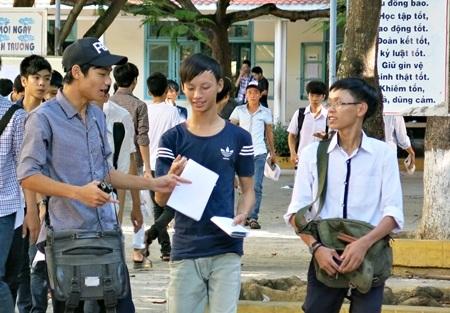 Thí sinh thi tuyển sinh đại học tại Đà Nẵng năm 2014